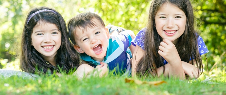 A summer family photo shoot in Surrey