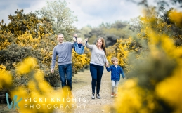 My spring mini family sessions in Surrey