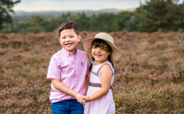 Family mini sessions outdoors in Surrey