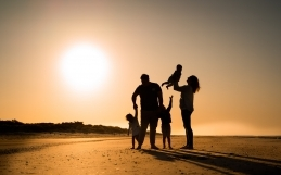 Family photo shoot on the beach | Surrey photographer